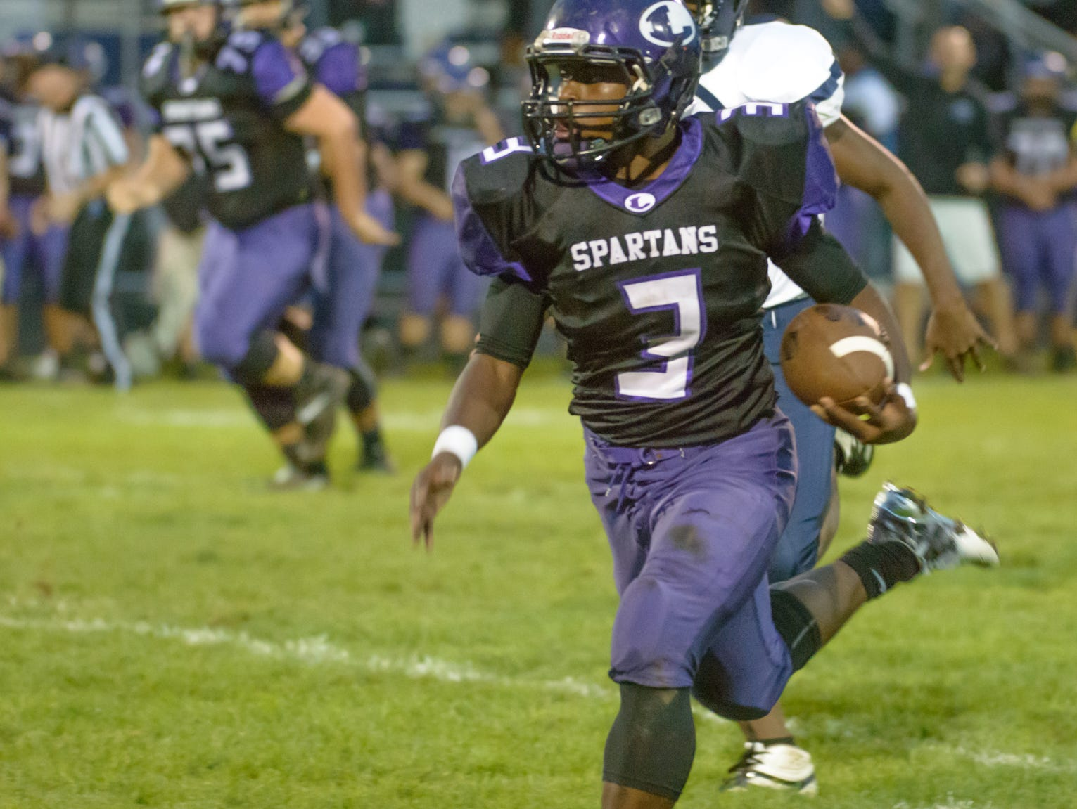 Lakeview running back Jay'Vion Settles runs for a 60-yard score against the Loy Norrix Knights on Friday.