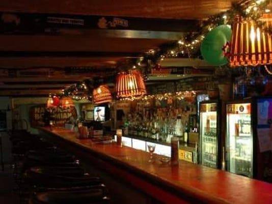 636052078045373189-Peppers.Tavern.jpg