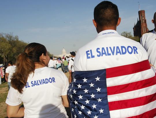 En la actualidad, casi un tercio de los salvadoreños viven en Estados Unidos, más de 2 millones de personas de un país con 6,3 millones de habitantes.