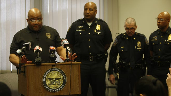 Chief Rick Hite tells reporters details of the investigation into the murder-suicide of two officers.