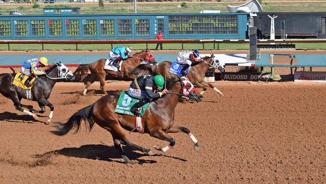 The Ruidoso Futurity, held in February for two-year-old quarter horses, saw a dead heat between Eagle Jazz and Uptown Dynasty on Sunday in Ruidoso, N.M.