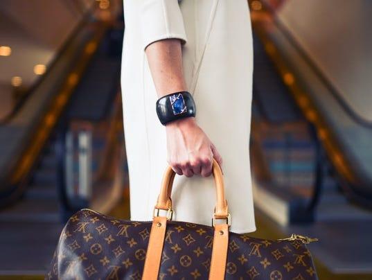 636215606648855907-fashion-woman-cute-airport.jpg