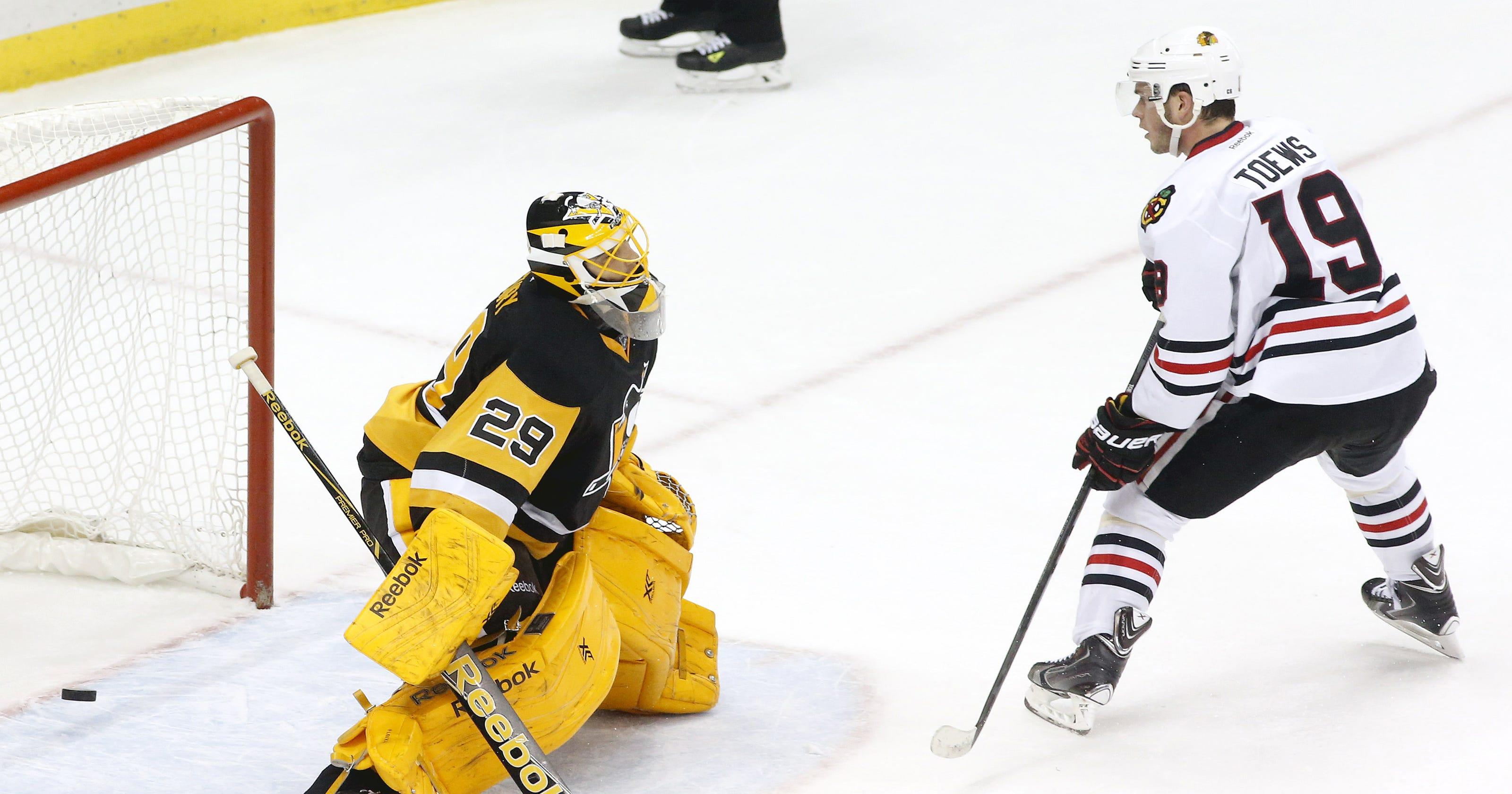 Blackhawks beat short-handed Penguins in shootout 3-2 4b82207c7