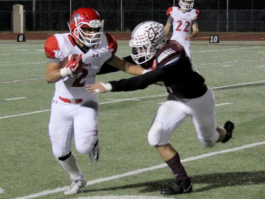 Bowie's Dillon Swaim tackles Ponder's Carlos Zepeda