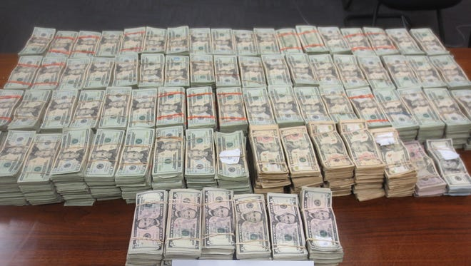 U.S. Customs and Border Protection officers found more than $600,000 in a vehicle Sunday at the Zaragoza Bridge.