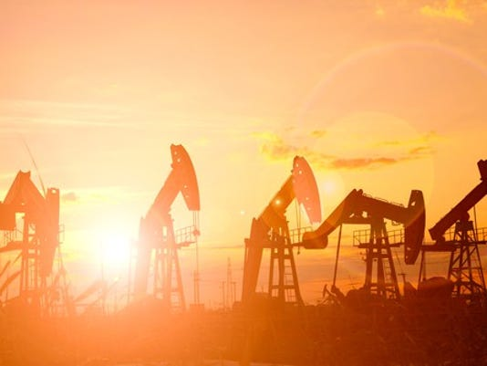 multiple-oil-pumps-at-sunrise_large.jpg