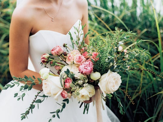 Many brides are choosing subtle and rustic wedding