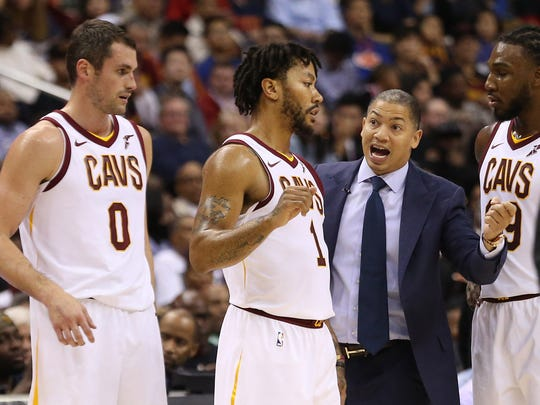 Cleveland Cavaliers head coach Tyronn Lue (M) talks ed8a30b65b