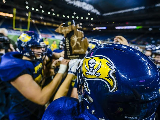 Division 7 Football State Final