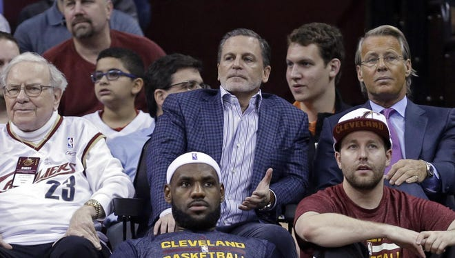 """Asked what he'd do if a Cavaliers player decided to kneel during the national anthem, Gilbert said, """"I hope we don't ever have to come with that."""""""