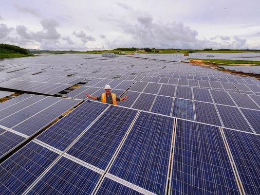 635863397415012434-08-14-Solar-Farm-01.JPG