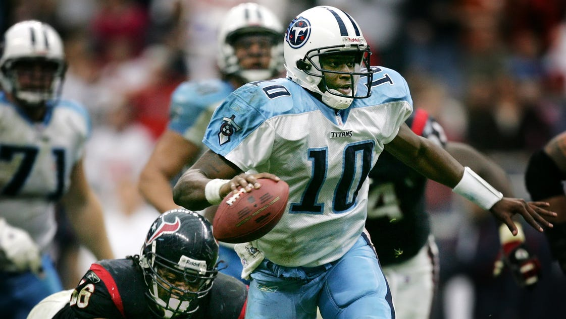 635971036087318784-vince-young-2006l