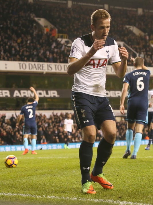 Tottenham Hotspur's Harry Kane reacts in disbelief after seeing a goal disallowed during the English Premier League soccer match between Tottenham Hotspur and Middlesbrough at White Hart Lane stadium in London, Saturday, Feb. 4, 2017. (AP Photo/Joel Ryan)