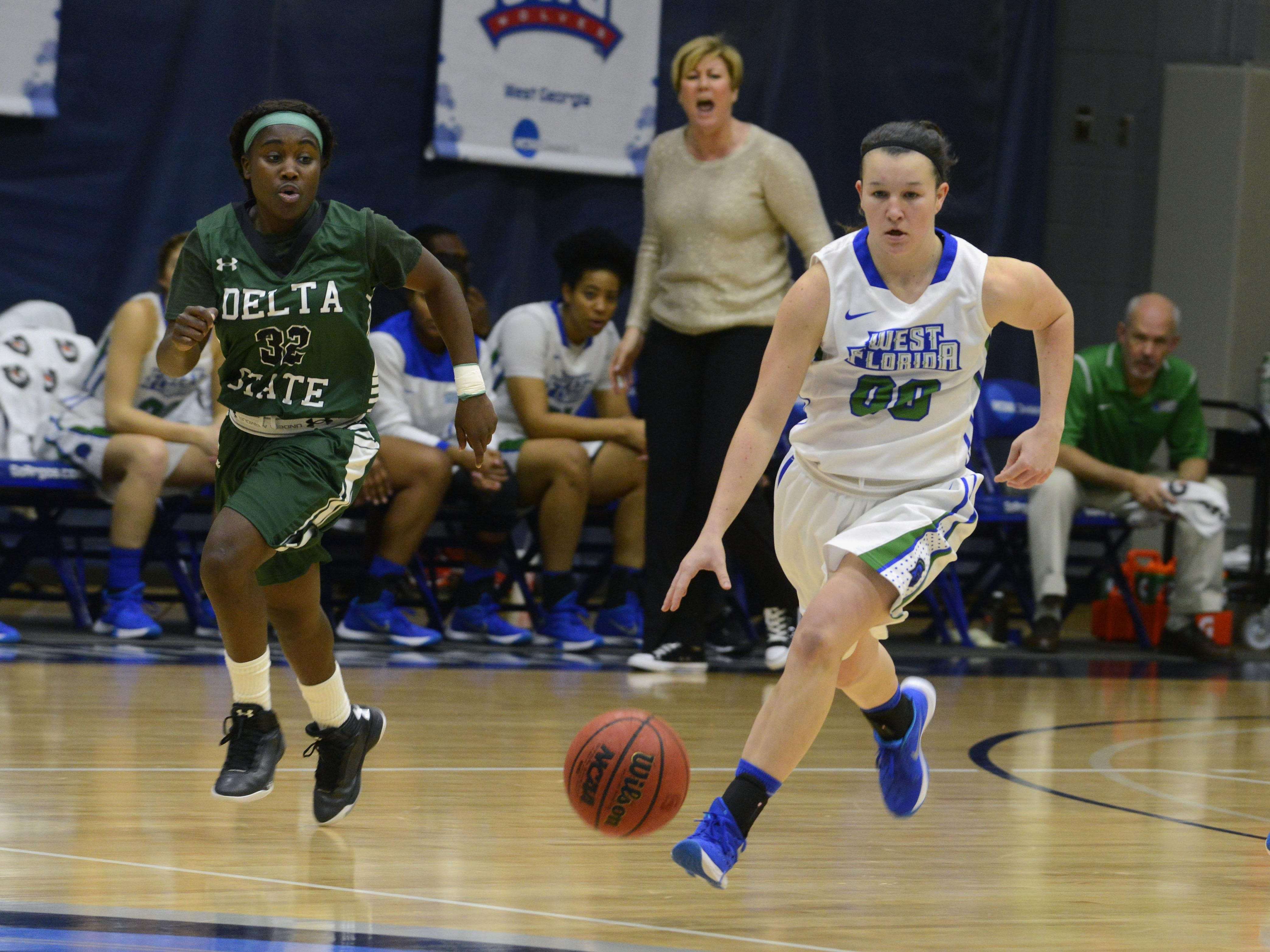West Florida's Alex Coyne scored 7 points and had six assists but the UWF Argos dropped a tough loss to West Georgia on the road Thursday night.
