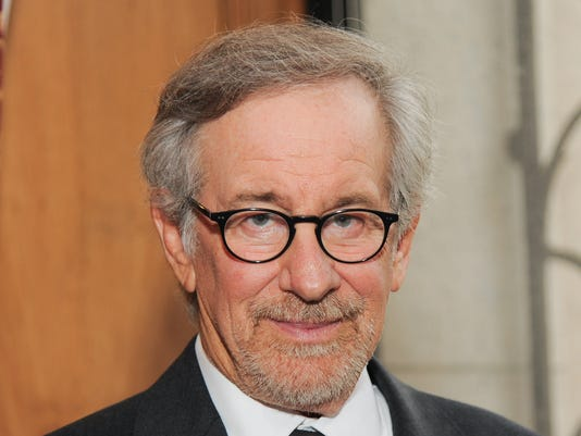 635774705594030090-spielberg-AP-Film-Fall-Preview-Spielbe