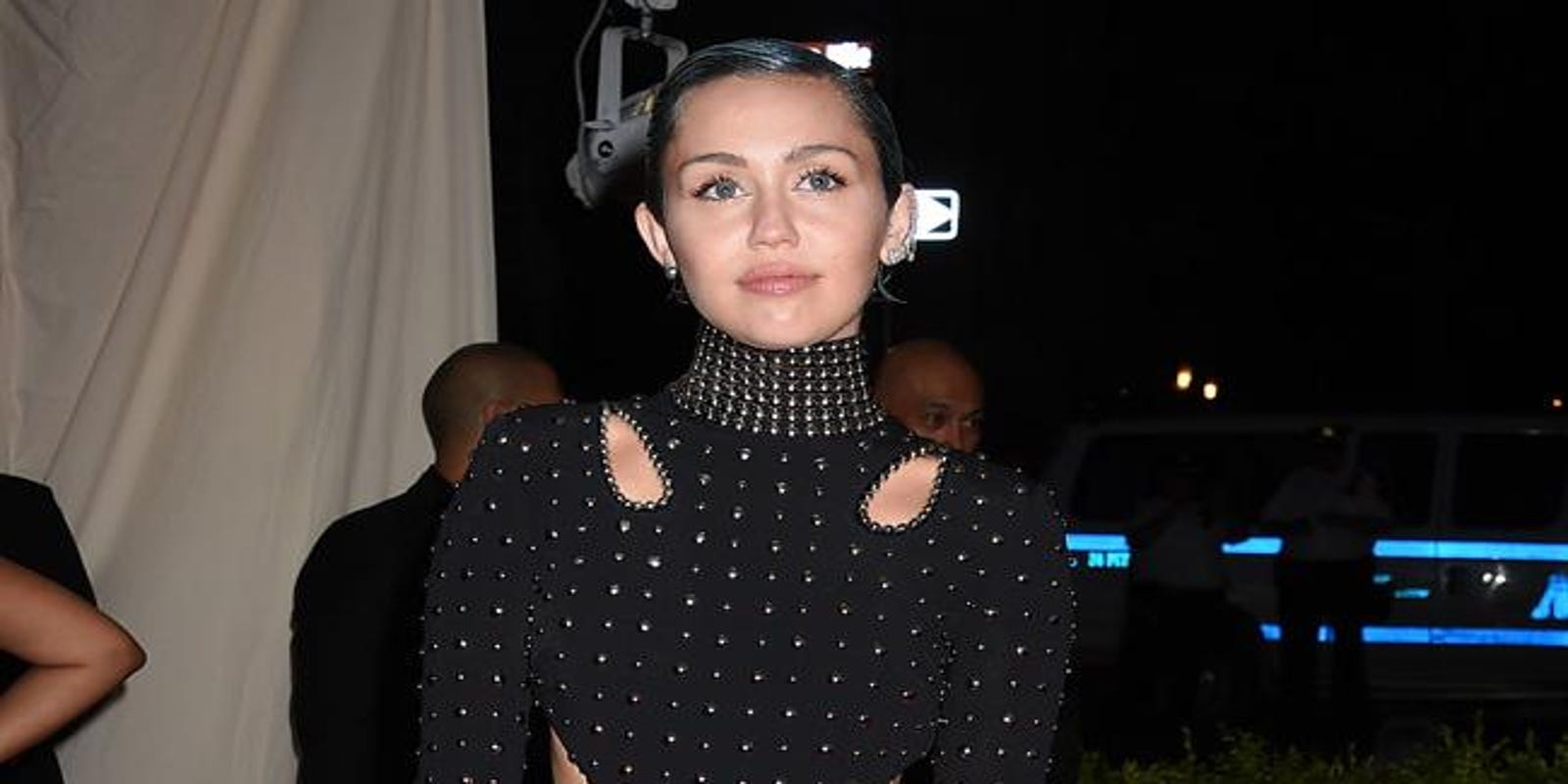 Ana Maria Polvorosa Hot miley cyrus: i'm okay with being alone