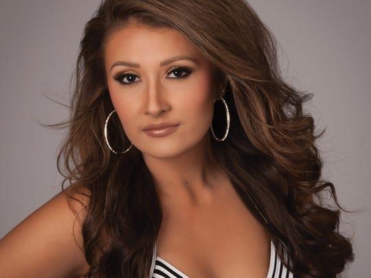 Miss Sullivan County Kayla Calton