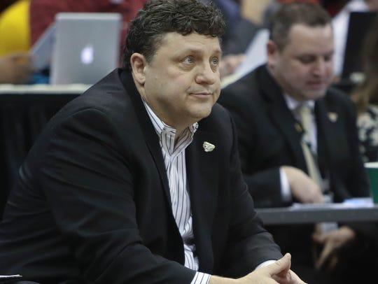 Oakland Golden Grizzlies head coach Greg Kampe on the