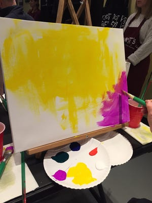 Acrylic paints and lively music set the atmosphere, and at the end of the session you go home with your own painting.