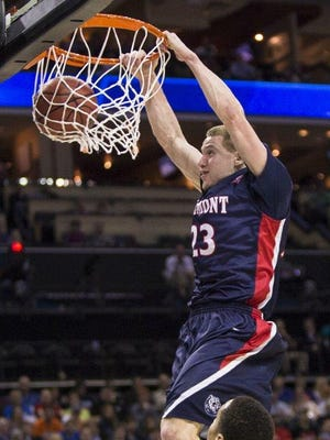 Former Christ Presbyterian Academy and Belmont star Craig Bradshaw has signed a pro contract to play basketball in Germany.
