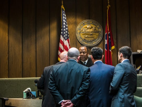 May 30, 2018 - Judge Lee Coffee confers with attorneys during a bond hearing for Sherra Wright, 47, in Criminal Court Division 7 at the Shelby County Criminal Justice Center on Wednesday in Memphis, Tenn. Wright has been charged in the 2010 death of her NBA star ex-husband Lorenzen Wright. A $20 million bond was set by Judge Coffee during the hearing.
