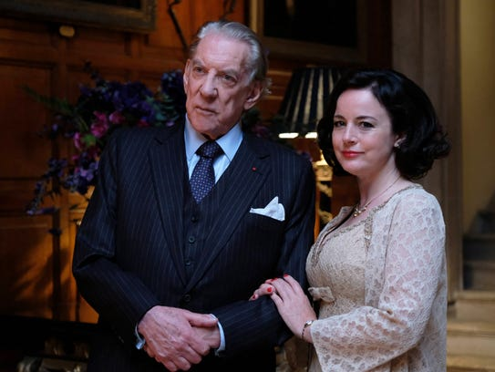 Donald Sutherland as J. Paul Getty, Sr. and Amanda