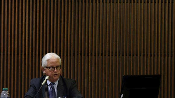 James L. Sumner Jr. answers questions from prosecutor Matt Hart during Alabama House Speaker Mike Hubbard's trial on Tuesday, May 31, 2016 in Opelika, Ala. (Todd J. Van Emst/Opelika-Auburn News via AP, Pool)