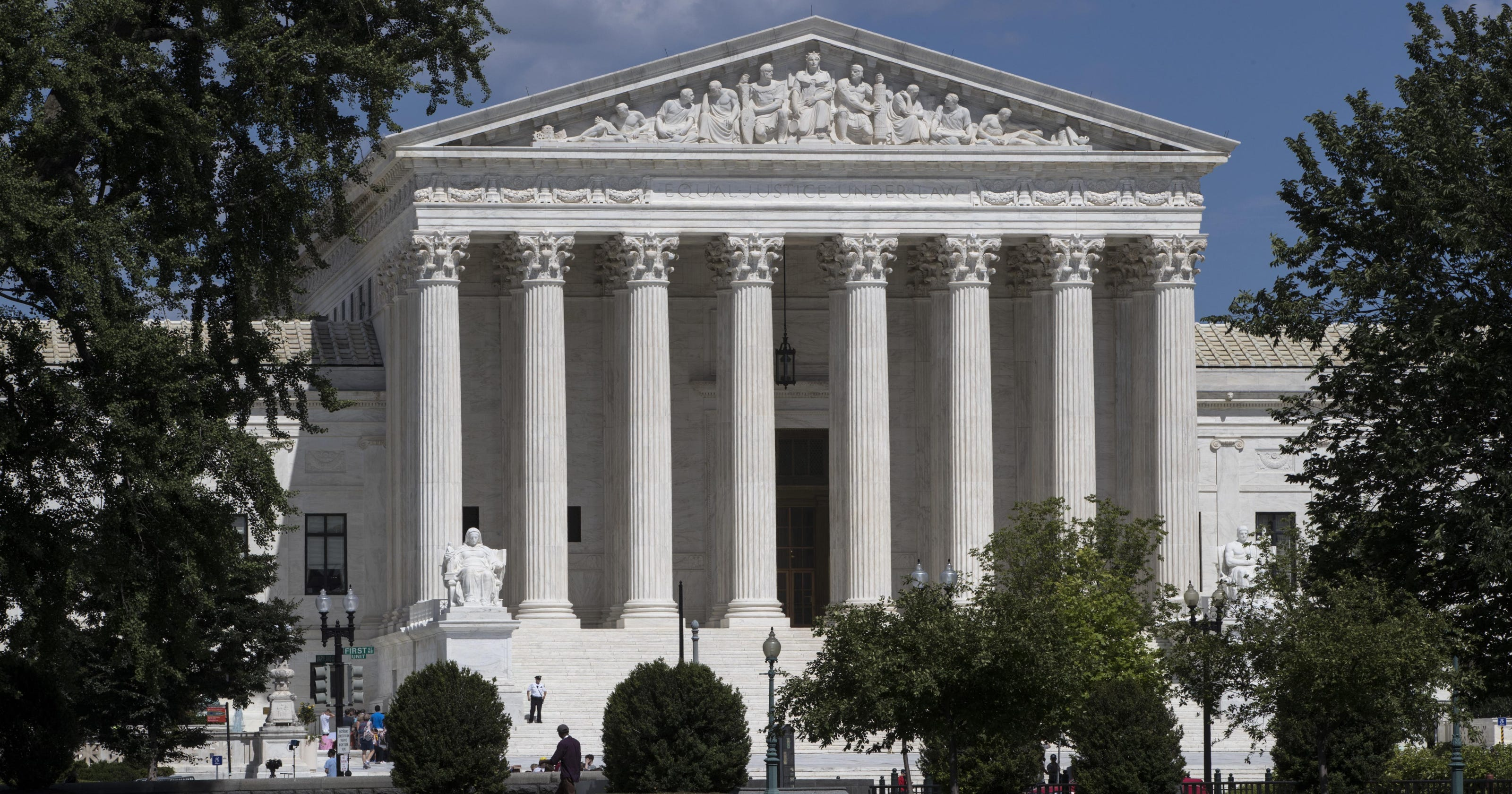 huge selection of 57e68 977af Trump mulls Supreme Court choice from 2 or 3 candidates