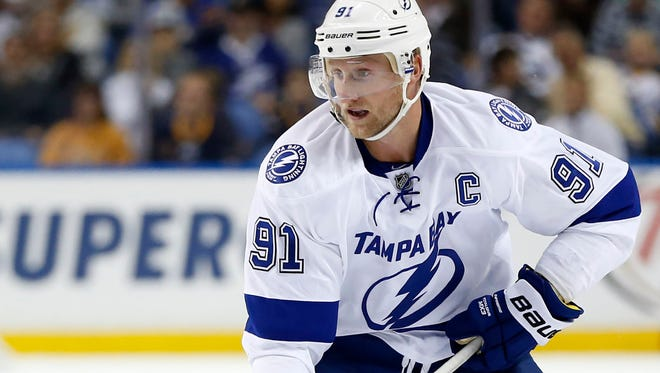 Tampa Bay Lightning center Steven Stamkos brings the puck into the Buffalo Sabres zone during the first period.