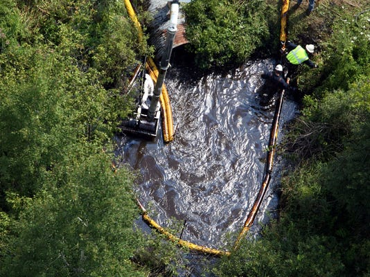 enbridge-oil-spill2.jpg