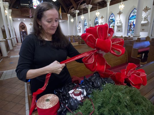 Church Decorates for Christmas