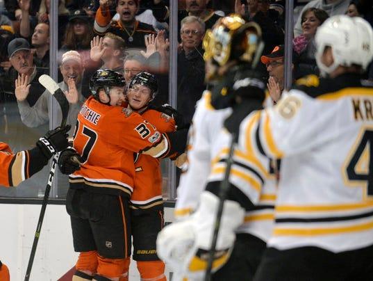 USP NHL: BOSTON BRUINS AT ANAHEIM DUCKS S HKN USA CA