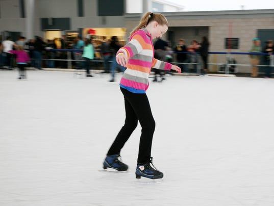 IceSkating-HM-005.jpg