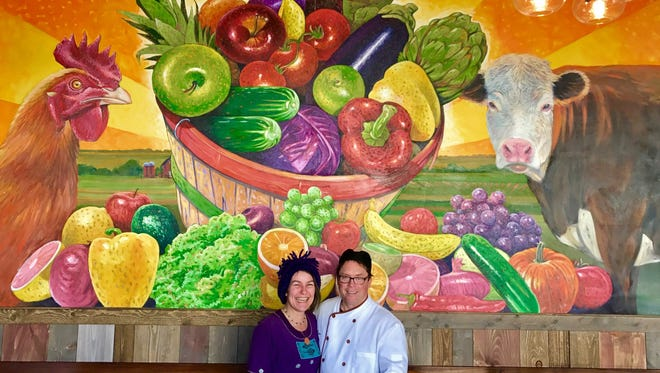 Lisa and Brian Bernier opened a new restaurant, Harvest Cafe, at the corner of 8th Street and Pennsylvania Avenue in downtown Sheboygan. The restaurant focuses on locally-sourced, organic food.