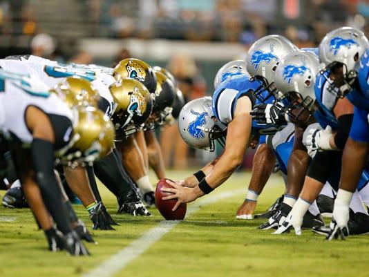 635832869617625772-AP-Lions-Jaguars-Football-CK