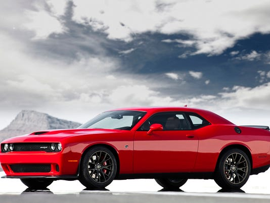 636078444998755160-2015-Dodge-Challenger-03.jpg