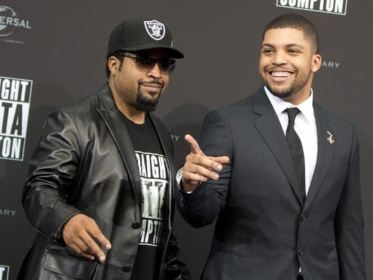Ice Cube walks the 'Straight Outta Compton' carpet