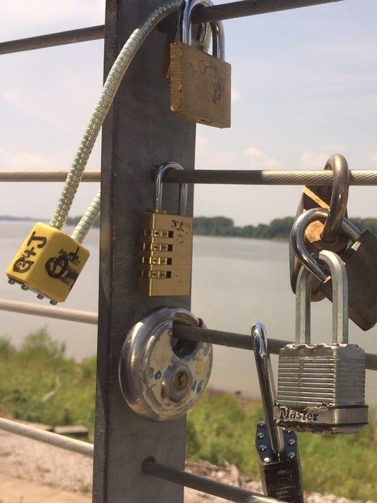 636390118762953704-lock-vertical.jpg