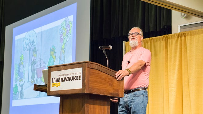 """Jim Henry, a nationally recognized trauma expert, speaks Wednesday at the """"Trauma in our Community"""" conference at the University of Wisconsin-Milwaukee."""