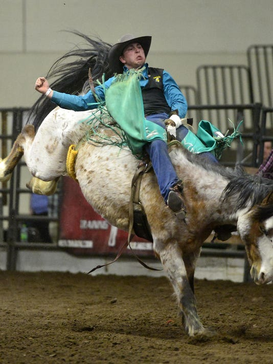 -05012015_rodeo friday-c.jpg_20150501.jpg