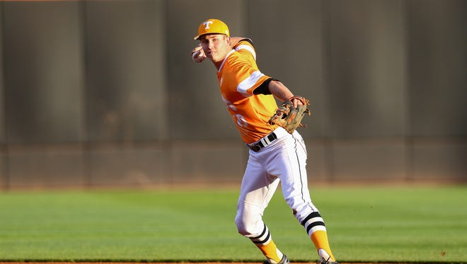 Infielder A.J. Simcox of the Tennessee Volunteers plays against Cincinnati in March 2015.