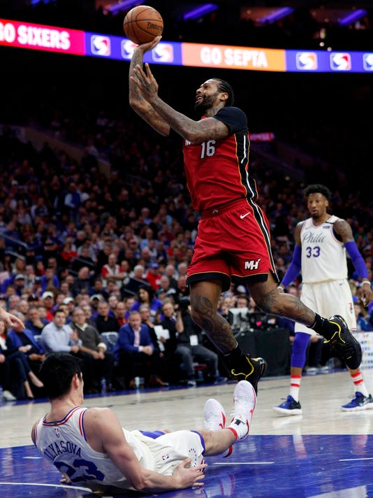 Heat_76ers_Basketball_78333.jpg