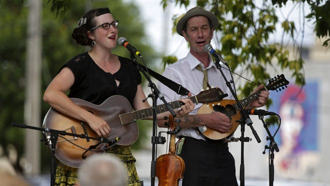 The Yellow-Bellied Sapsuckers perform at Fox River House during Mile of Music in 2016.