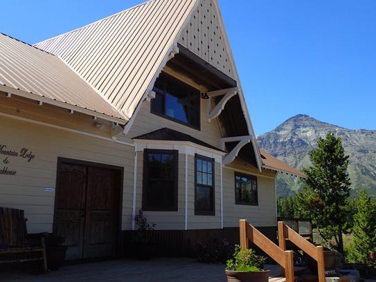Summit Mountain Lodge is surrounded by beautiful scenery.