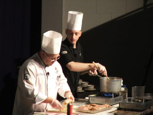 -cookingshow2.jpg_20110201.jpg