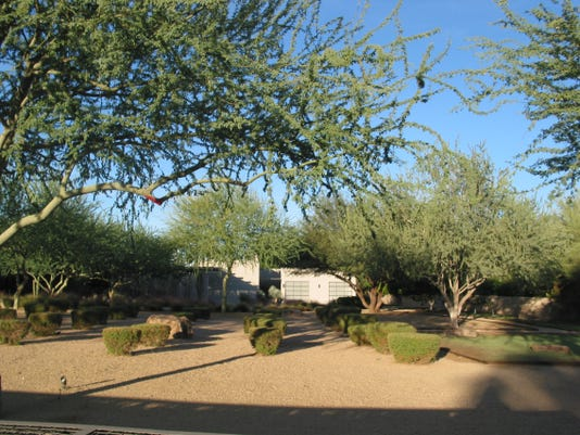 David and Kathleen Guarnieri paid $1.875 million in cash for this 3,355 square-foot home at Camelback Ranchos in Paradise Valley. The sale closed during the week of Oct. 6, 2014.