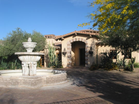 Craig Moe paid $3 million in cash for a 10,049 square-foot home on more than two acres at Warren Ranchos in Paradise Valley. The sale closed during the week of March 23, 2015.