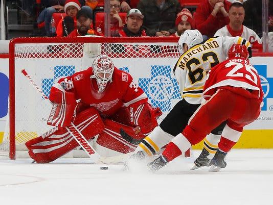 636489403922422476-Bruins-Red-Wings-Hockey-GIK1PH260.1.jpg