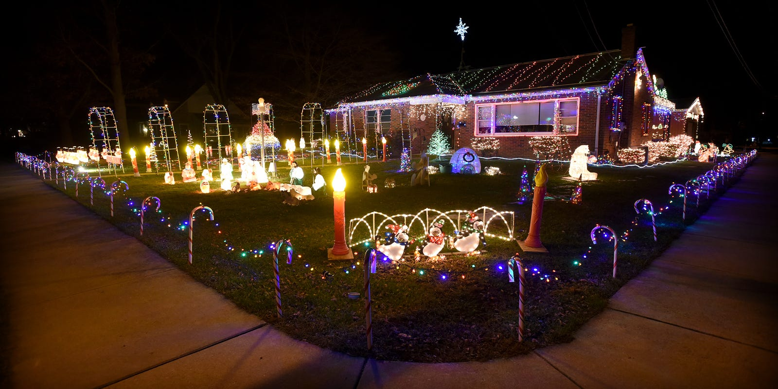Where Are The Best Holiday Lighting Displays