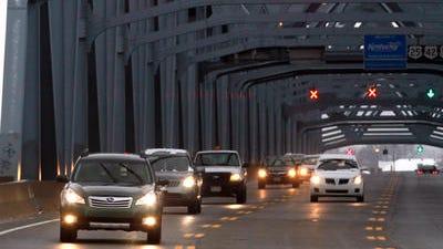 Lane closures are scheduled on the Brent Spence Bridge Sunday night.